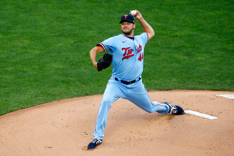 Twins beat Cardinals 3-0 in Rich Hill's smooth debut