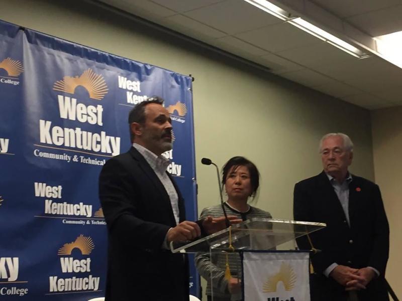Kentucky awards contract to expand Asian carp market