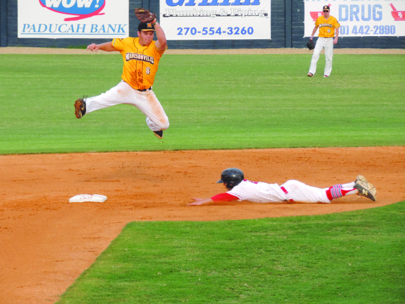 Seventh inning surge lifts Chiefs over Miners