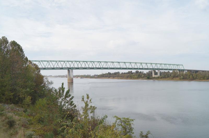 Lane restriction on U.S. 60 Tennessee River Bridge at Ledbetter starting Monday, Sept 2