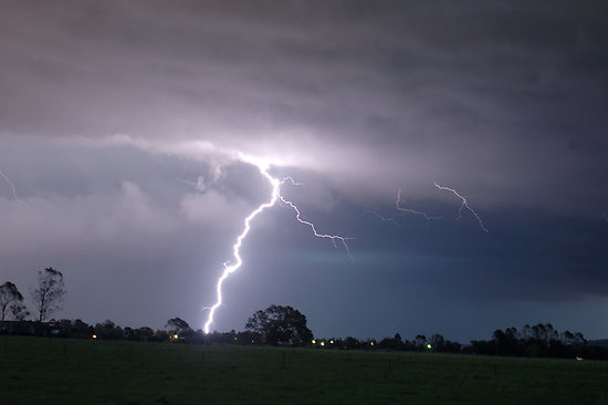 Severe storm causes damage in Hickman, Livingston counties